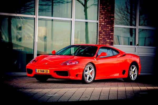 Extra Lang In Een Ferrari Rijden