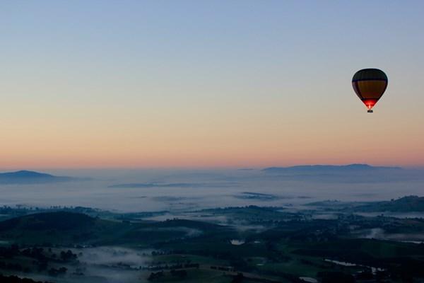 Uitzicht ballonvaart avond