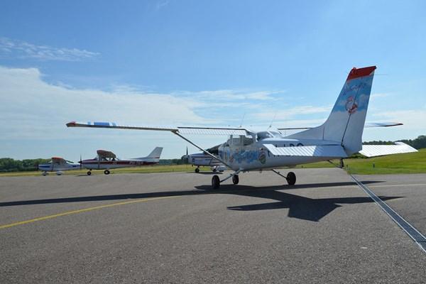 Vliegtuig op startbaan