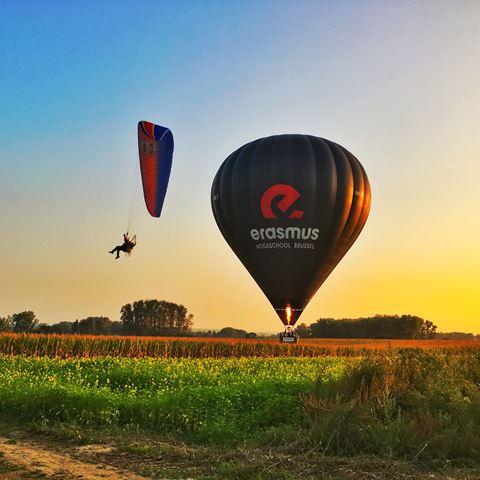 Avond ballonvaart uitzicht