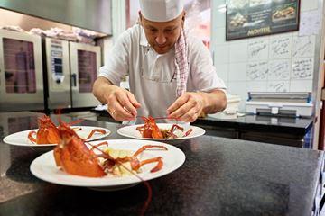 Chef-kok in de keuken
