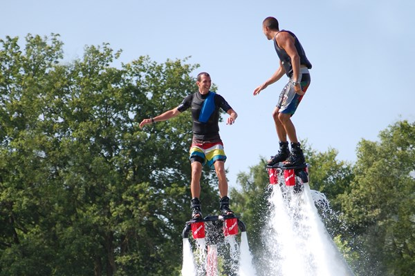 Flyboarden met vrienden