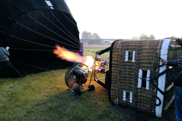 Luchtballon opstijgen