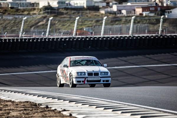 Mee racen op het circuit