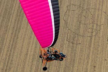 Paramotor in de lucht