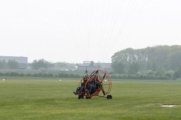 Landing paramotor