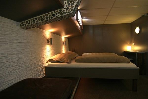 Luxe hut